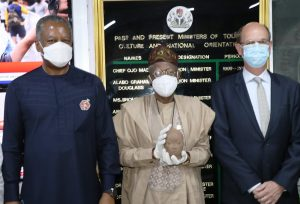 L-R: The Minister of Foreign Affairs, Mr. Geoffrey Onyeama; The Minister of Information and Culture, Alhaji Lai Mohammed, and the Ambassador of the Kingdom of the Netherlands to Nigeria, Mr. Harry van Dijk, at the handover of the repatriated Ife Terracotta by the Minister of Foreign Affairs to the Minister of Information and Culture in Abuja on Thursday.