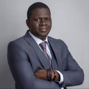 Dr Stephen Akintayo